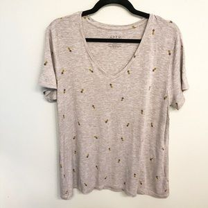 Apt. 9 Gray V-neck Pineapple T-shirt size XL